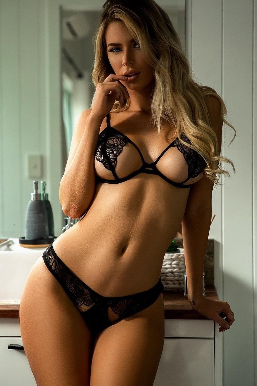 Nude Pics Of Sexy Women